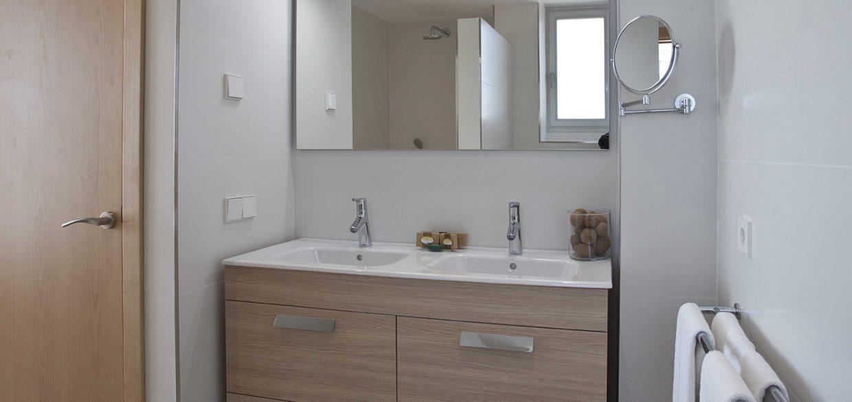 baño bathroom apartaments posidonia