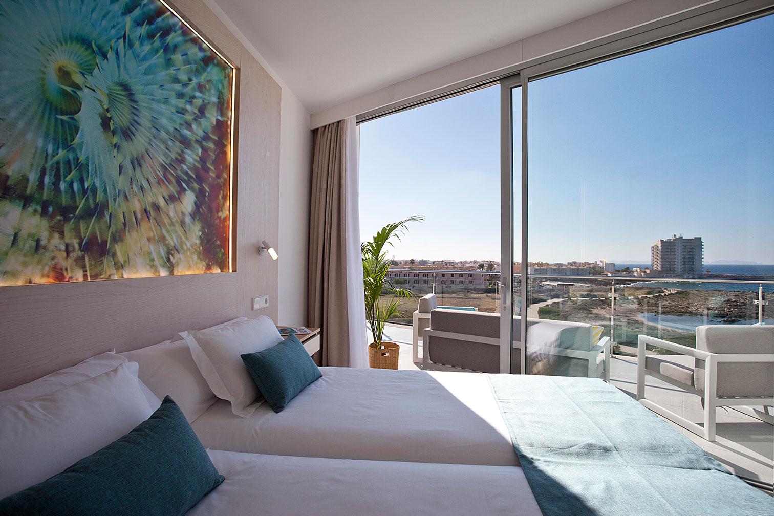 Vistas desde un dormitorio al mar